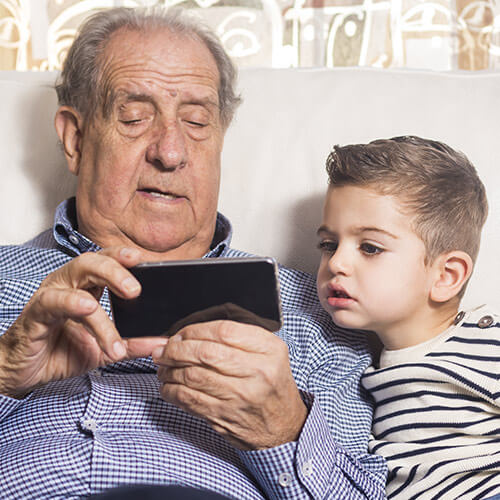 Tech Gadgets Necessary for Seniors in Jefferson, CO